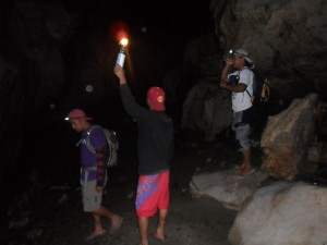 Vien, Frenz, Keith with Bren exploring for posible tour packages.